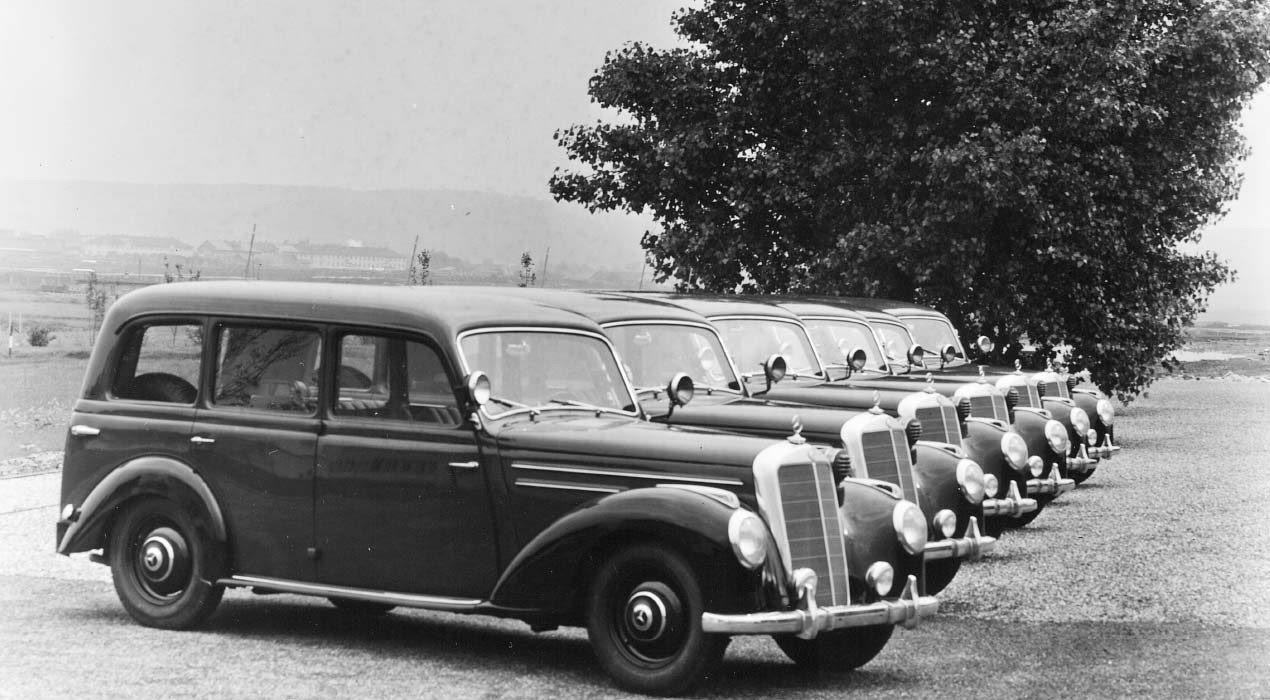 BINZ Geschichte vehicles in a line old photo
